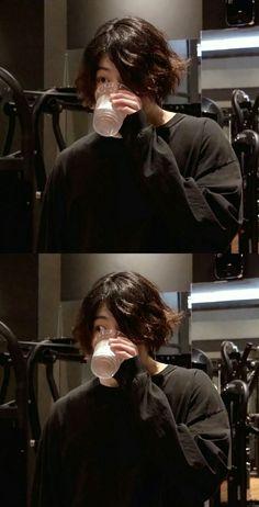 Por que, Jeon Jungkook, por quê? Por que, Jeon Jungkook, por quê? Jung Kook, Foto Bts, Bts Jungkook, Kpop, V Bts Wallpaper, Jeon Jeongguk, Bts Korea, Bts Lockscreen, Album Bts