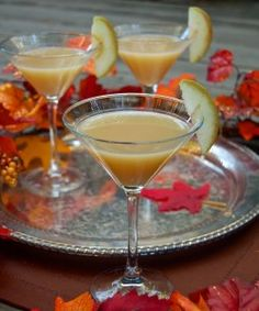 SKIP THE PUMPKIN PIE :: Thanksgiving DESSERT Cocktails. This year we've decided to tempt you to skip that plate of pumpkin pie and dive into these yummy Thanksgiving dessert cocktails. Check out our Gidget+LaRue original cocktail: Auntie's Apple Pie Martini