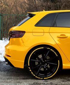 Yellow Car, Black N Yellow, Audi Rs7, Audi Quattro, Car Lover Gifts, Car Tuning, G Wagon, Car Car, Super Cars
