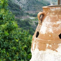Ceramic pots used to store olive oil #pots #ceramic #crete #cretan #kriti #oliveoil #cretanvillage