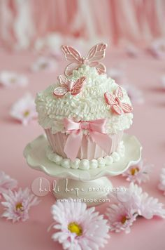 Marvelous Photo of First Baby Girl Birthday Cake . First Baby Girl Birthday Cake 10 Birthday Cakes For Ba Girls Birthday Ideas Photo Ba Cupcakes Rosa, Cupcakes Flores, Butterfly Cupcakes, Butterfly Birthday, Giant Cupcakes, Pink Butterfly, Fondant Butterfly, White Cupcakes, Butterflies