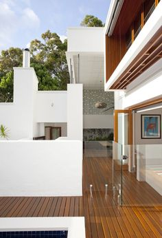 Love this outdoor design by Sunshine Beach House-Wilson Architects