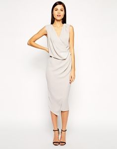 Discover evening gowns with ASOS. Shop for ladies evening dresses, ball gowns and formal dresses from the range of styles at ASOS. Grey Midi Dress, Dress Up, Asos Dress, Latest Dress, Latest Fashion Clothes, Fashion Online, Spring Outfits, Casual Dresses, Maxi Dresses