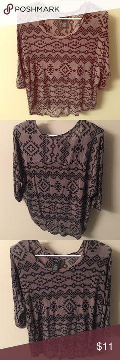 Aztec print quarter sleeve shirt Rue 21 size medium Aztec print quarter length shirt in gray and black Rue 21 Tops