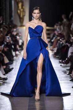 Elie saab haute couture spring summer 2019 formal wear in Elie Saab Couture, Haute Couture Paris, Haute Couture Fashion, Spring Couture, Haute Couture Gowns, Couture Week, Elie Saab Printemps, Vestidos Fashion, Evening Dresses