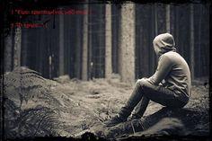 """""""Γιατί είχα επηρεαστεί τόσο πολύ από τα λόγια της; Είχε δίκιο άραγε; Βρήκα στο πρόσωπο της μια καινούργια, λιγότερη βλαβερή εξάρτηση; Αν και μετά βίας μπορούσα να τη χαρακτηρίσω ' λιγότερο βλαβερή'. Ο πόνος που με κατέκλυσε, ήταν κάτι το καινούργιο. Δεν μπορούσα να δω με ποιον τρόπο θα τον έκανα να φύγει. Ο φόβος επανήλθε δριμύτερος."""" Εφιάλτες, κεφ.8 σελ.255"""