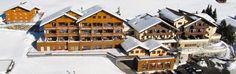 BergSPA & #Hotel Zamangspitze mit Ski-Shuttle zur Grasjochbahn sowie zur Valiserabahn im #Montafon Skiing, Cabin, Spaces, Mansions, House Styles, Home Decor, Ski, Mansion Houses, Homemade Home Decor