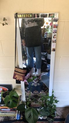 Mirror Selfies, Ladder Decor, Indie, Room Ideas, Cute Outfits, Room Decor, Dark, My Style, Inspiration