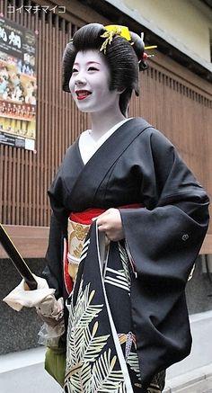 芸妓さんと舞妓さんのブログ (New Year's celebrations 2016: geiko Ryouka and...)