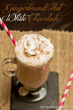 Gingerbread Hot White Chocolate - uses 1 oz white chocolate, unsweetened vanilla almond milk, almond extract, vanilla extract Winter Drinks, Holiday Drinks, Christmas Treats, Holiday Treats, Holiday Decor, Hot Chocolate Recipes, Chocolate Chocolate, Cookies Et Biscuits, Yummy Drinks