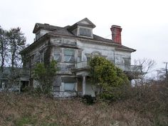 Astoria, the first permanent American settlement west of the Rockies, remains a place deeply marked by its history. Locals say there are spirits in the old abandoned buildings. Astoria is also the location where the majority of the 1985 classic The Goonies was filmed.