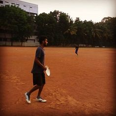 See those flying saucers? Come throw one of those with us at National College , Jayanagar everyday at Ultimate Frisbee, Mma, College, India, Sports, Summer, Hs Sports, University, Delhi India