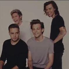 1d new photo shot there is not harrys tatto my god