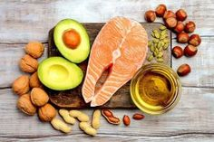 A keto diet is more defined than a general low carb diet; a keto diet provides only grams calories) of carbohydrate per day. it is closer to less than of calories from carbohydrates. Healthy Fats, Healthy Snacks, Healthy Eating, Healthy Recipes, Healthy Skin, Dieta Dash, Fat Sources, Le Psoriasis, Good Fats
