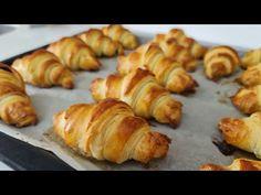 Perfect pentru micul dejun! Crocant și delicios! Rețetă Croissant ușor - Pregătiți-o acum - YouTube Bread Recipes, Cake Recipes, Cooking Recipes, Croissants, Easy Croissant Recipe, Tea Biscuits, Puff Pastry Recipes, Arabic Food, Sweet Bread
