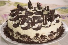 Discover recipes, home ideas, style inspiration and other ideas to try. Cheescake Oreo, Cheesecake Cake, Oreo Cookies, Cookie Desserts, Milka Oreo, Sweet Cakes, Mexican Food Recipes, Nutella, Cupcake Cakes