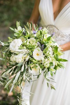 11 Beautiful and Inspirational Bridal Bouquets for Your Summer Wedding - Inside Weddings