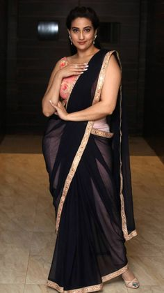 Indian TV Anchor Manjusha In Transparent Blue Saree Beautiful Blonde Girl, Beautiful Girl Indian, Most Beautiful Indian Actress, Beautiful Saree, Beauty Full Girl, Beauty Women, Beautiful Women Over 40, Beautiful Models, Beautiful Ladies