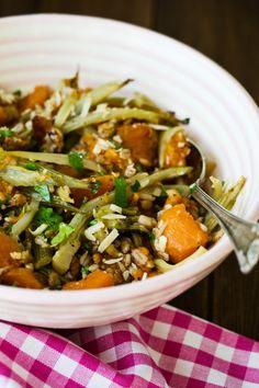 Ensalada templada de cebada integral con calabaza e hinojo