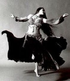 Now ANYONE Can Learn To Belly Dance Easily From Home!