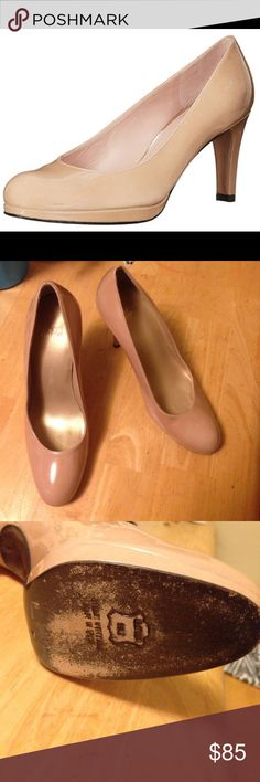 Tan Stuart Weitzman Heels Like new. Gorgeous tan heels, minimal use on the bottoms, other than that perfect!! Leather :) Size 8m! Don't be afraid to make me an offer, I almost always accept! Or bundle & save! Stuart Weitzman Shoes Heels
