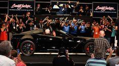 Final C7 Chevy Corvette brings $2.7 million at auction - Autoblog Final C7 #Chevy #Corvette Corvette Zr1, Chevrolet Corvette, Chevy, Porsche 718 Boxster, Auto News, American Sports, Nissan 370z, Automotive News, Job Opening