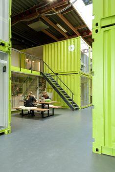 Inside Information - Bakkerij in een container Container Restaurant, Container Cafe, Container House Plans, Container House Design, Warehouse Office Space, Warehouse Design, Shipping Container Office, Shipping Container Design, Container Buildings