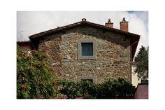 Podere Castellare, www.poderecastellare.upps.it, Podere Castellare, inmitten von Wäldern, Weinbergen und Olivenhainen, ist der ideale Ort für einen Urlaub der Entspannung und Wellness. Das Hotel liegt in wunderschönen toskanischen Hügeln und ist etwa 20 km von Florenz gelegen. Das Merkmal, das unser Haus in der Gegend von anderen unterscheidet, ist eine nüchterne und wesentliche Einrichtung mit Umwelt und Natur zu verbinden.
