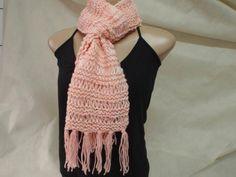 Cachecol em tricô em rosa - PEÇA ÚNICA