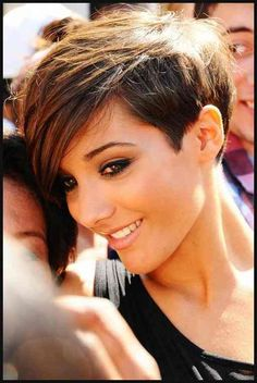 Long pixie haircut looks superb modern and cool. It is best for people who do not have much time in styling their hair. Messy Long Pixie Haircuts for Fine Hair /Via The slight edge makes the textured pixie haircut soft and feminine. Pixie Hairstyles, Straight Hairstyles, Cool Hairstyles, Pixie Haircuts, Glamorous Hairstyles, Hairstyle Ideas, Long Haircuts, Haircut Short, Gorgeous Hairstyles