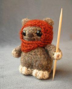 squee!! cute knitted ewok! :).