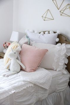 Girl's Room Update - featuring a zip up Beddy's Bed comforter perfect for making little kids bed. Muted colors and lots of ruffles.