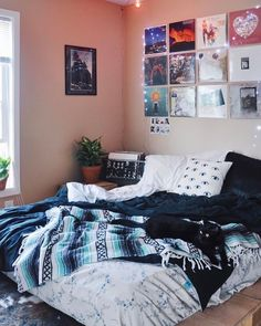 Urban outfitters bedroom urban bedroom decor urban outfitters bedroom urban bedroom urban outfitters room decor for Urban Bedroom, Bedroom Inspo, Bedroom Decor, Bedroom Ideas, Bedroom Themes, Bedroom Designs, Bedroom Furniture, Dorm Room Themes, Wall Decor