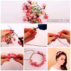 Faça você mesma uma tiara de flores, esse DIY é muito fácil!                                                                                                                                                      Mais