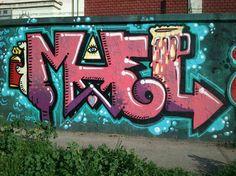 Estos grafitis estan hechos cerca demi casa y yo les tome fotos