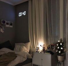 Bedroom Setup, Room Design Bedroom, Room Ideas Bedroom, Small Room Bedroom, Home Room Design, Bedroom Decor, Bedroom Wall, Dream Rooms, Dream Bedroom