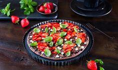 Schoko-Pizza mit Balsamico und Erdbeeren  Rezept | Dr. Oetker