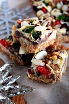 18 of the Best Holiday Cookies, Squares, and Bars - Lord Byron's Kitchen Vegan Christmas, Christmas Sweets, Christmas Cooking, Christmas Goodies, Christmas Nibbles, Christmas Entertaining, Xmas Food, Christmas Cakes, Holiday Recipes