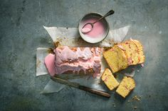 Try Rhubarb cake by FOOBY now. Or discover other delicious recipes from our category Baking sweet.