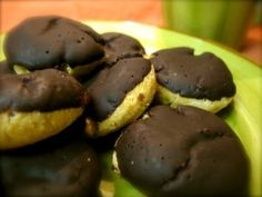 Vanilla Tea Cakes with Chocolate Glaze #paleo #primal