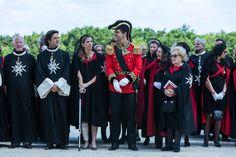 Sur le parterre du nord, Monseigneur le duc d'Anjou, Madame la duchesse d'Anjou et Madame Chirac lors de la prestation de serment, de la revue des ambulanciers et secouristes et de la remise des médailles.