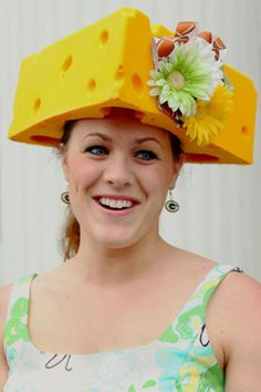Kentucky Derby 2017 Craziest Racing Hats Ever Ny Daily News