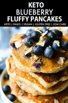 Low Carb Recipes Fluffy Low Carb Keto Blueberry Pancakes (Paleo, Vegan, Flourless)- Thick and fluffy keto paleo blueberry pancake recipe- Low carb, sugar free and perfect for breakfast! Low Carb Keto, Low Carb Recipes, Vegan Recipes, Soup Recipes, Paleo Vegan, Vegan Hummus, Keto Foods, Ketogenic Foods, Keto Diet List