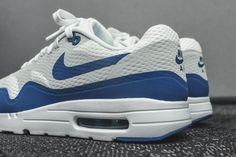 Nike Air Max 1 Ultra Essential - White / Varsity Blue