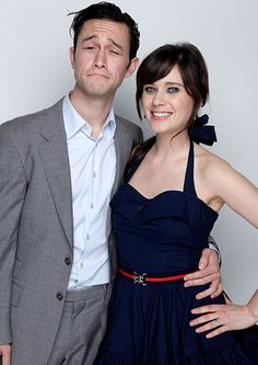 Actors Joseph Gordon-Levitt and Zooey Deschanel pose for a portrait during the 2009 Hamilton Behind The Camera awards held at The Highlands Club in the Hollywood & Highland Center on November Get premium, high resolution news photos at Getty Images Best Movie Couples, Cute Couples, Pretty People, Beautiful People, Perfect People, Amazing People, Beautiful Babies, Florian David Fitz, Zoey Deschanel