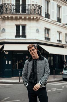 MATTGSTYLE by Matthias Geerts | Wearing BOOHOO MAN jacket, BOOHOO MAN sweater, BOOHOO MAN trousers, NIKE sneakers Antwerp, Belgium