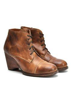 Bed Stu Cahill Boot. love the vintage look.