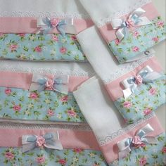 45 Ideas For Patchwork Quilt Knitted Pro - Diy Crafts - maallure Patchwork Quilt, Baby Sheets, Diy Bebe, Baby Towel, Baby Sewing Projects, Baby Kit, Baby Burp Cloths, Baby Swaddle, Baby Quilts