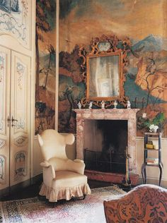 Sitting by the fireplace / chinoiserie