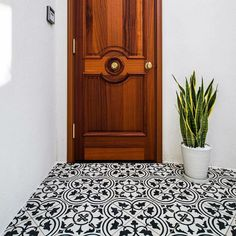 A welcoming #minimalistic #entry featuring cement #tile from @aventetile designed by Takashi Kikkawa! // #architecture #architettura #blackandwhite #carreaux  #cementile #designhounds #designer #encaustic #fliesen #floor #homeinterior #homedesign #instadesign #interiordesign #idcdesigners #pattern #tileometry #tiles #tiled #tiledesign #tilelove #tilestyle #tilework #tileaddiction #whytile